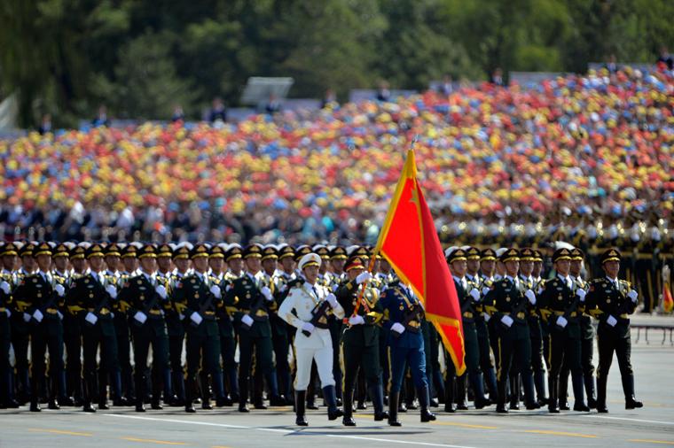 中国女兵高清图片_三军仪仗队